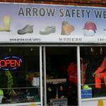 mannequin-man performming as a Living Mannequin: Mannequin-man the human mannequin performing as a window display dummy at arrow safety for Arrow Safety Wear on 03/09/2009
