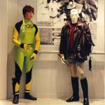 mannequin-man performming as a Living Mannequin: Mannequin man, the living mannequin, standing alongside a real mannequin in the Lillywhites store in london for Lillywhites on 24/09/1992
