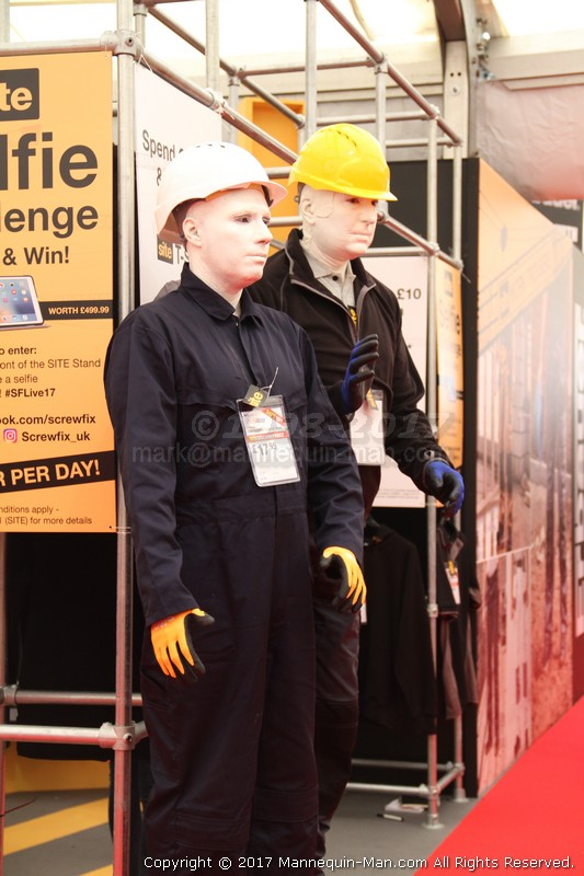 Living mannequins hired for Screwfix live event - Screwfix Live2017 Farnborough - live mannequins on Site work wear stand