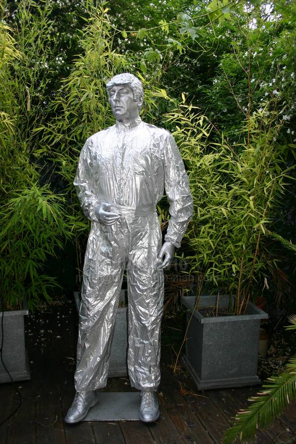 Silver Human Statue at Party. Human Statue Silver Statue for Party Muswell Hill